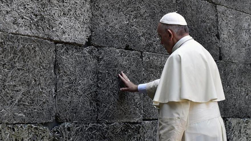 El papa Francisco concluyó su visita a Auschwitz y Birkenau