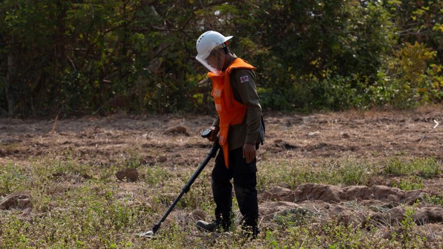 El equipo de Cambodia Self Help Demining (CSHD).