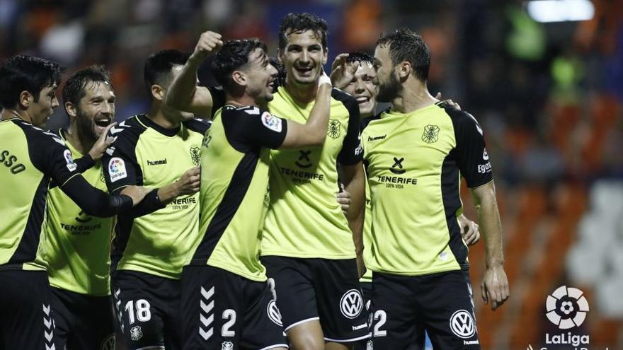 Alegría de los blanquiazules tras el 0-2 en el Lugo-Tenerife.