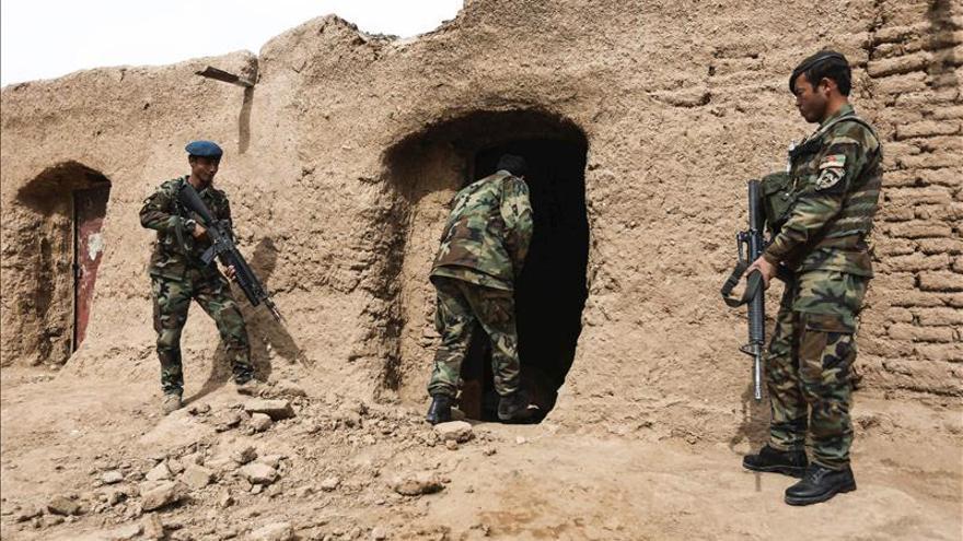 Muere un líder talibán disidente en una batalla entre insurgentes en Afganistán
