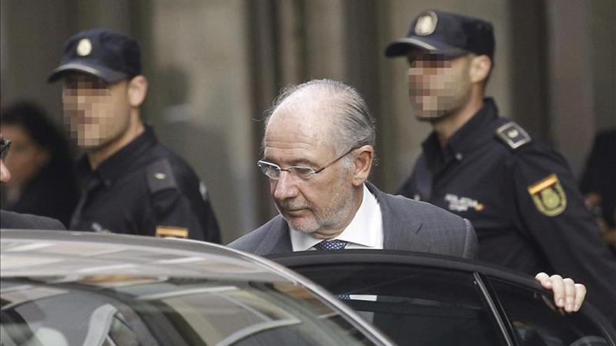 Rato presenta un aval bancario para afrontar su fianza y evitar el embargo