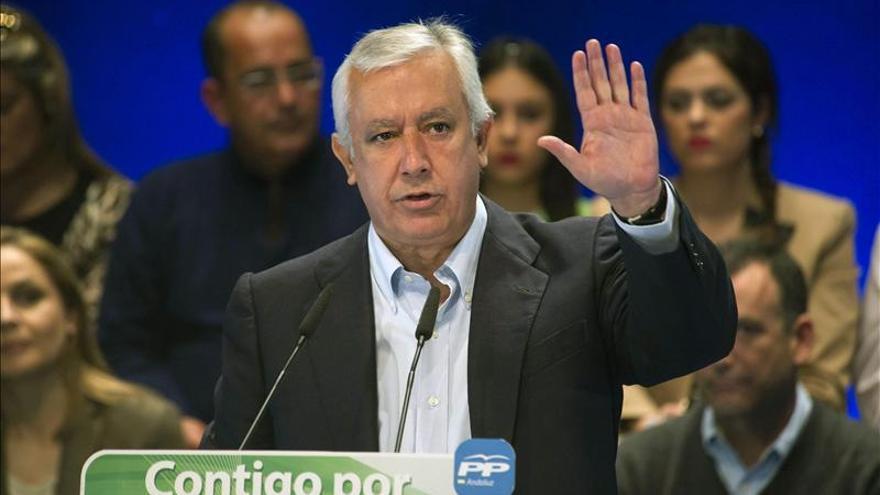Arenas pide una reflexión ante posibles pactos del PSOE con Podemos o Ciudadanos