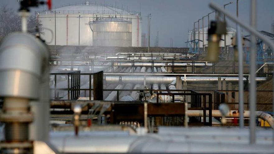 Irán prohíbe la importación y exportación de derivados de petróleo con Kurdistán