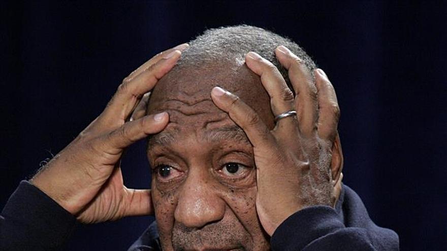Formulan cargos contra Bill Cosby por agresión sexual a una mujer