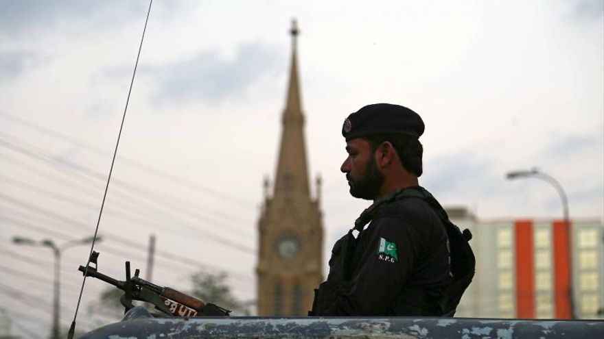 Al menos 26 muertos y 18 heridos en un accidente de autobús en Pakistán