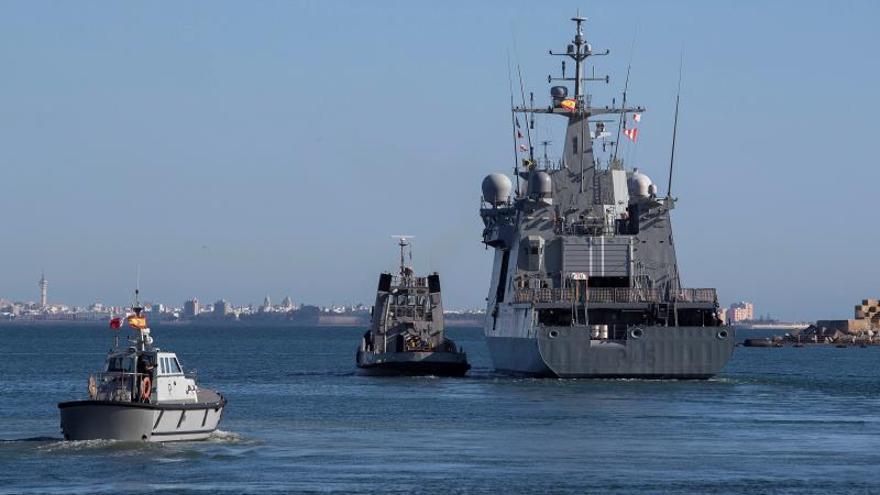 El Audaz navega hacia Lampedusa a la espera de la decisión final de la UE