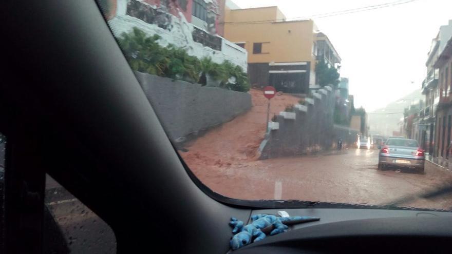Lluvia en Santa María de Guía (CANARIAS AHORA)