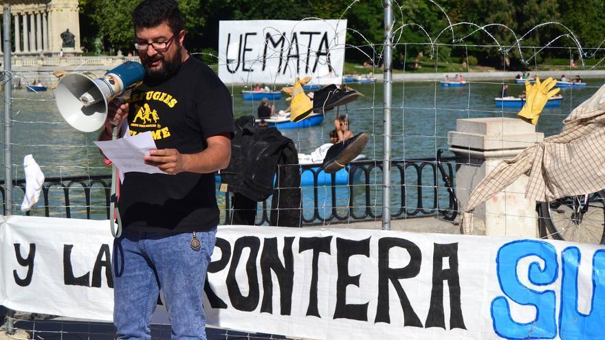 Pampa participando en una acción por los derechos de las personas refugiadas y migrantes, en el Parque del Retiro de Madrid | Imagen cedida a eldiario.es
