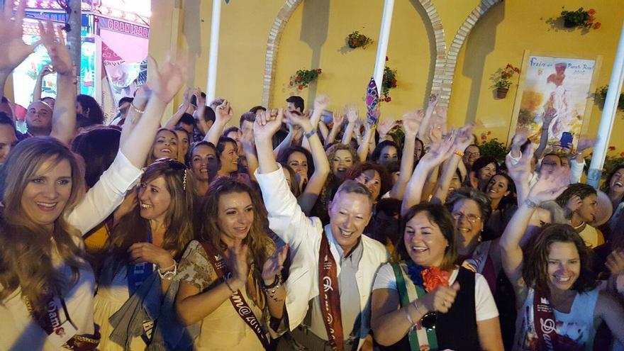 Imagen del acto donde muchas puertorrealeñas se proclamaron damas extraoficialmente.