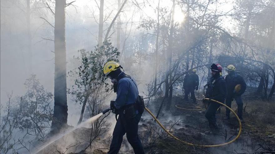 El incendio de Girona, declarado en fase de control
