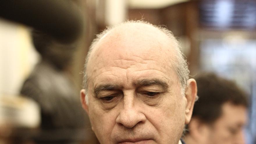 Fernández Díaz dice que los 'drones' que ofrece PSOE en vez de las cuchillas en la valla no evitan que entren ilegales