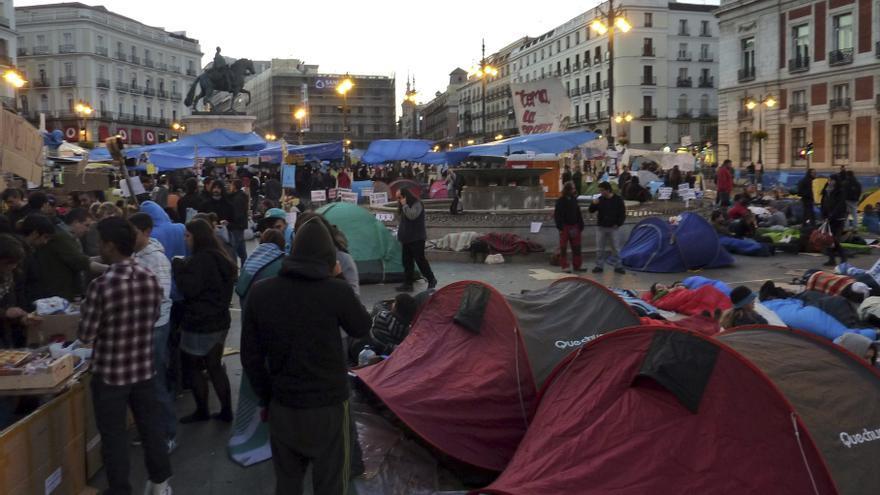 Imagen de archivo de las protestas durante el 15M en la Puerta del Sol - EFE/Pablo Talamanca