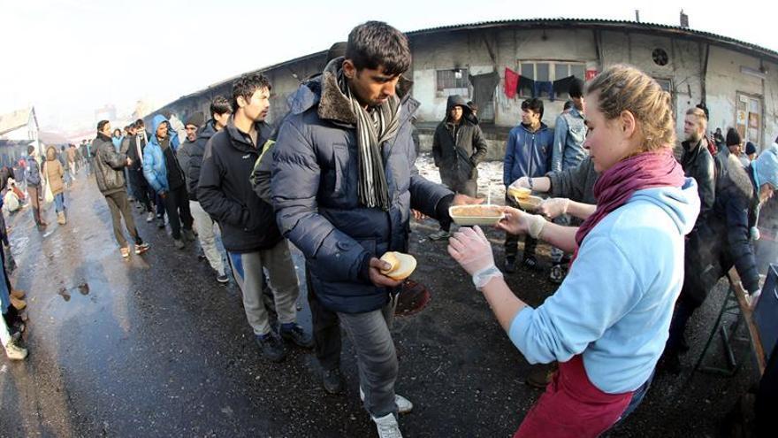 Unos 1.200 inmigrantes en Belgrado se niegan a ir a centros de asilo