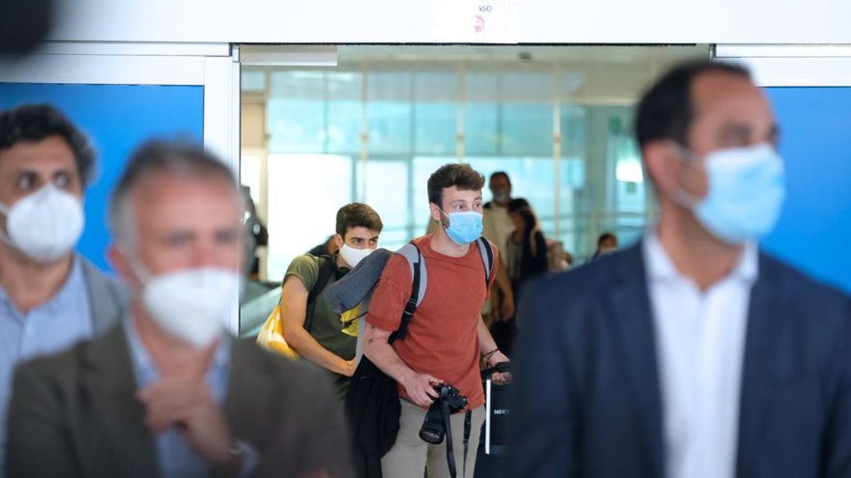 Llegada de turistas al aeropuerto de Fuerteventura