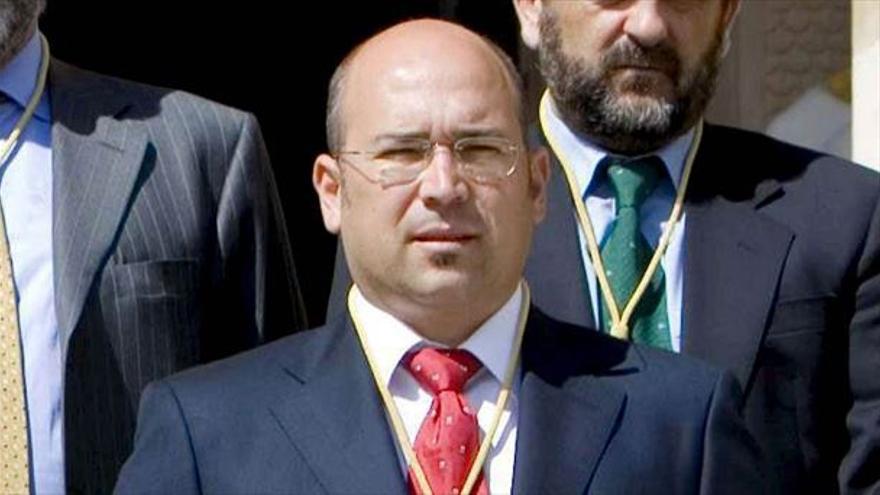 Alfredo de Miguel, el día de su toma de posesión como diputado foral en 2007