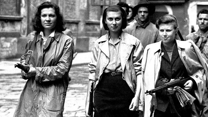 Mujeres partisanas