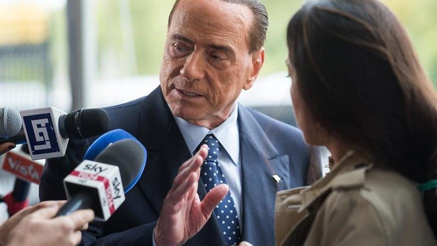 Berlusconi aboga por un referéndum legal en Cataluña dentro de la Constitución