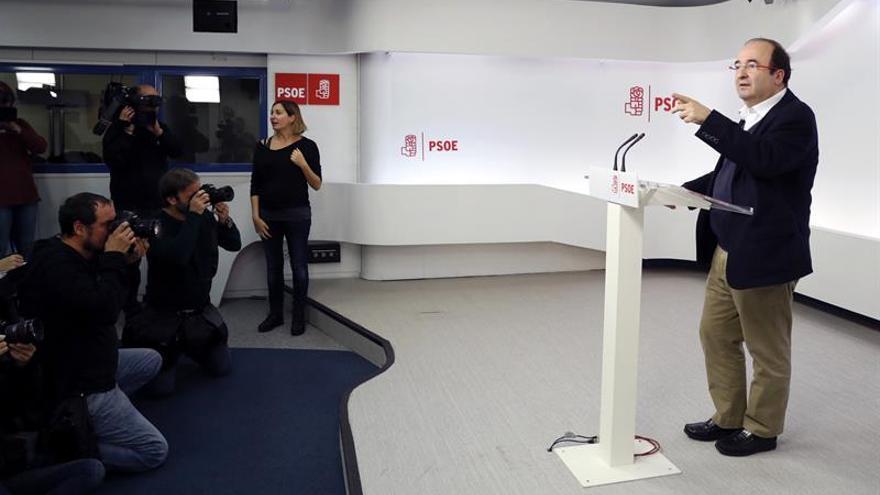 Miquel Iceta traslada su pésame a la familia de Barberá y al PP