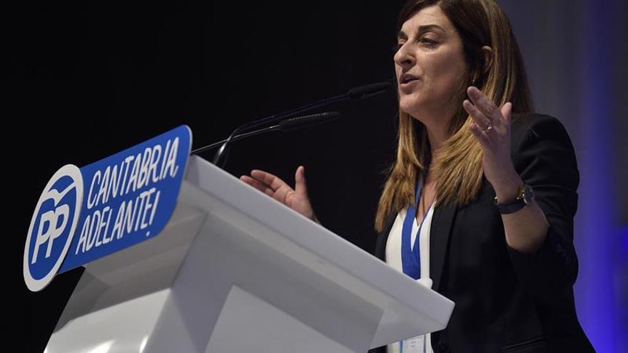 Sáenz de Buruaga presidirá el PP cántabro tras un ajustado triunfo de 4 votos