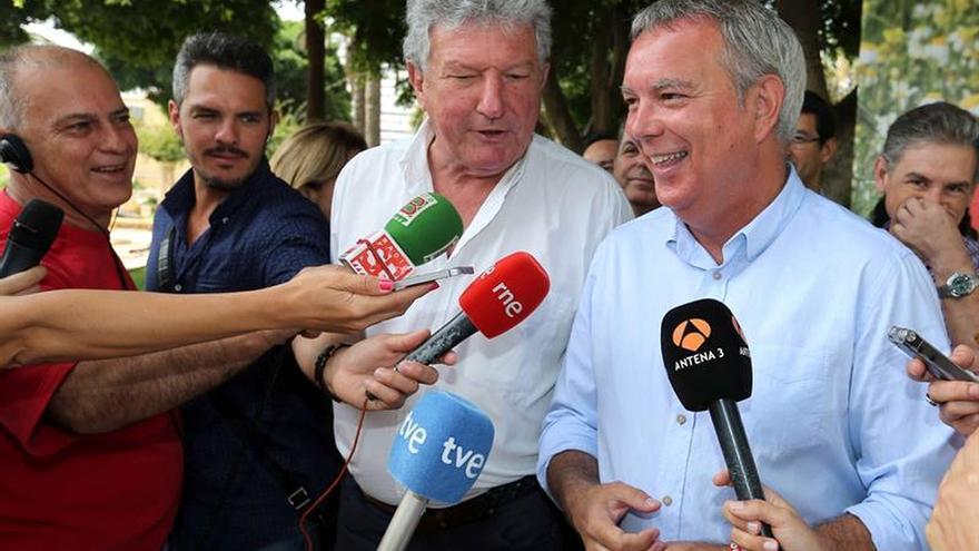 NC no descarta abstenerse en la investidura de Rajoy, pero lo hablaría con el PSOE