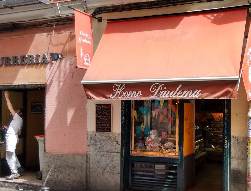 Algunos negocios aún remiten al Madrid que se va