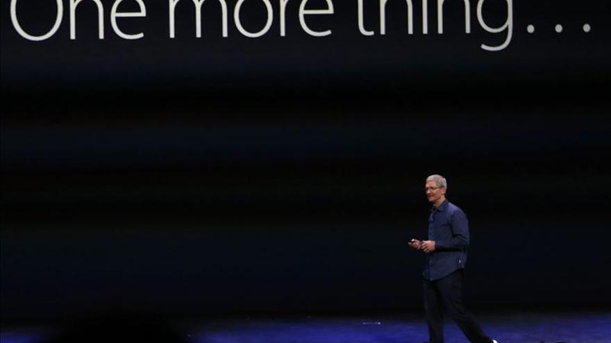 Retiran monumento ruso a Jobs tras salida del armario de su sucesor en Apple