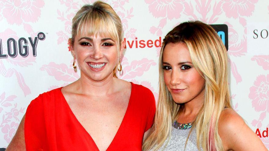 Jennifer and Ashley Tisdale