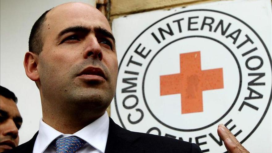 La Cruz Roja Internacional y el Ejército llegan a la zona de entrega de dos secuestrados