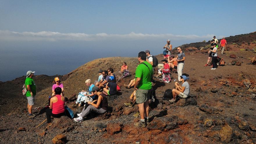 En la imagen, senderistas en una de las rutas de la Isla en la edición de 2013 del Festival Internacional.