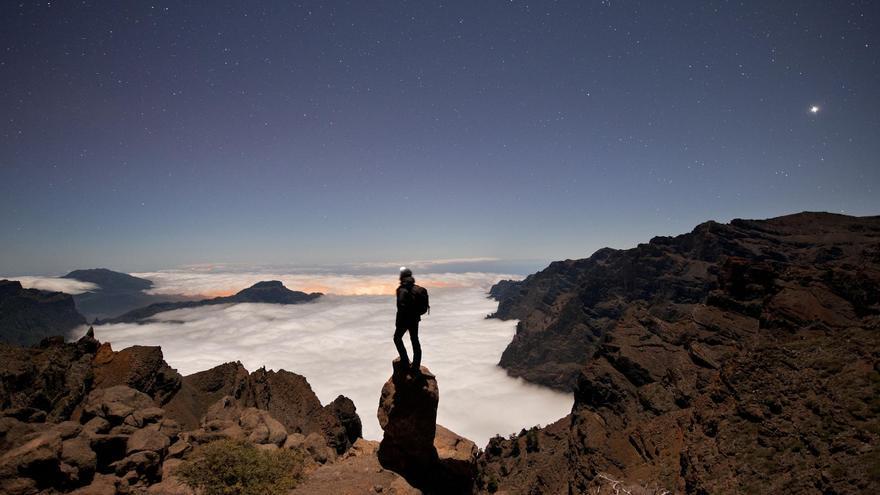 Imagen del entorno de El Roque de Los Muchachos, a más de 2.400 metros de altitud, con el 'mar de nubes'. Foto: SAÚL SANTOS.