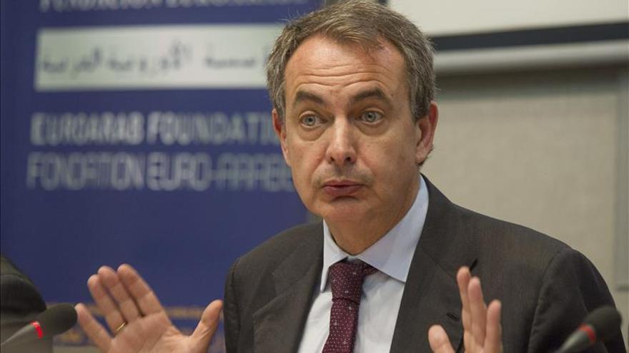 """[Comunicado] """"El Partido de las gentes más necesitadas""""  Zapatero-apoyara-campana-PSOE-Lanzarote_EDIIMA20150504_0666_19"""