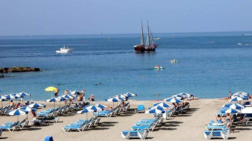 Playa artificial en el sur de Tenerife