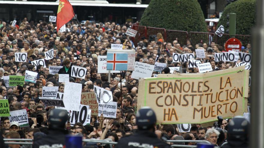 """Cifuentes acuerda una sanción de 6.000 € para el convocante del 25-S """"por no garantizar la seguridad de la protesta"""""""