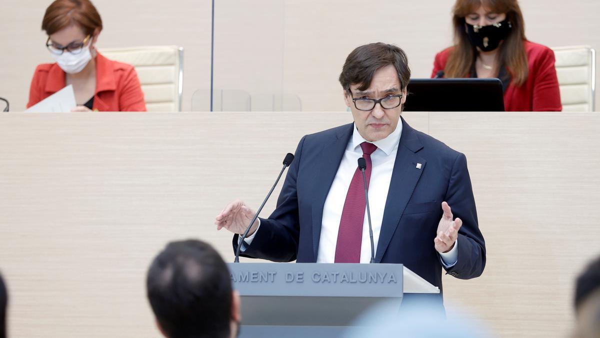 El lider del PSC, Salvador Illa, durante su intervencion en la segunda sesión del debate de investidura del candidato de ERC a la presidencia de la Generalitat, Pere Aragonès.