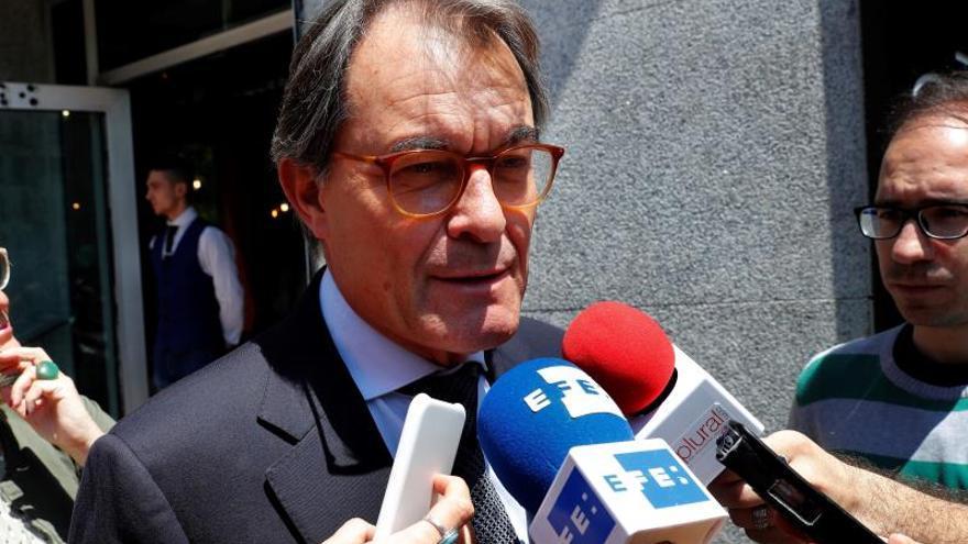 """Mas: """"Puigdemont no puede ni debe decidir solo la lista para el 28A"""""""