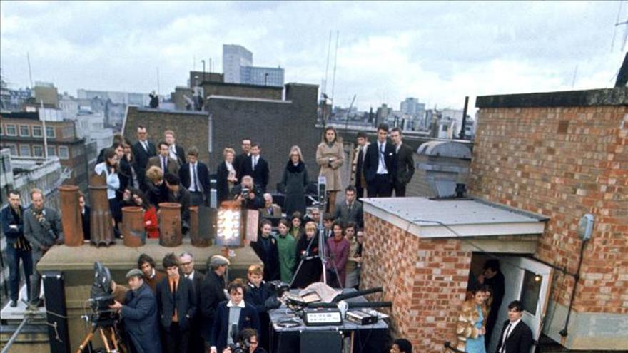 El día que los Beatles se subieron al tejado