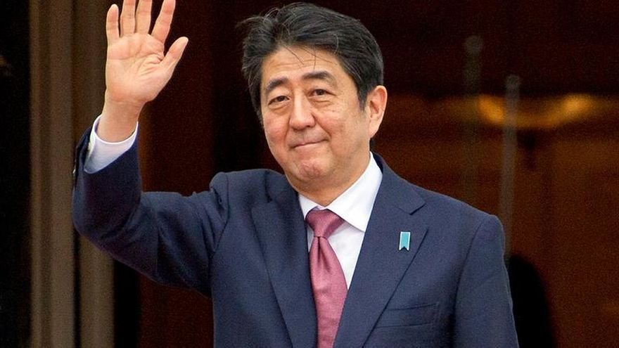 El primer ministro japonés inicia gira por Europa y Rusia
