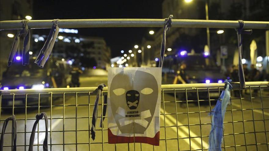 Unas 500 personas protestan contra ley mordaza en inmediaciones Congreso