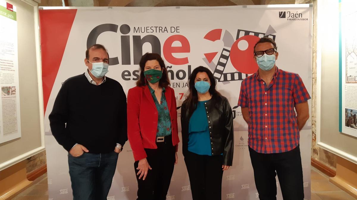 Enrique Iznaola (director de la muestra), Lala Obrero, Lourdes Palacios y Miguel Ángel Parra (presidenta y vicepresidente de Asecan respectivamente).
