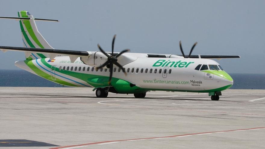 La aerolínea Binter Canarias comenzó a operar en marzo de 1989.