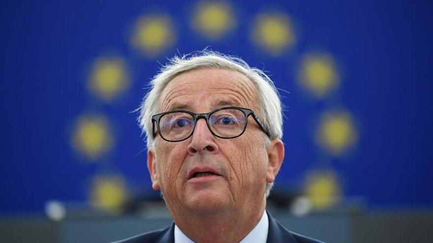 Juncker propone reforzar el papel del euro en los mercados internacionales