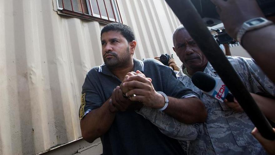 Ingresa a prisión el sacerdote dominicano acusado de matar a un adolescente