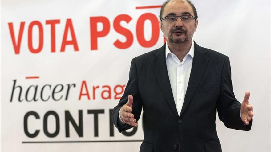 """Lambán pide a Echenique """"responsabilidad"""" para llegar a un acuerdo en Aragón"""
