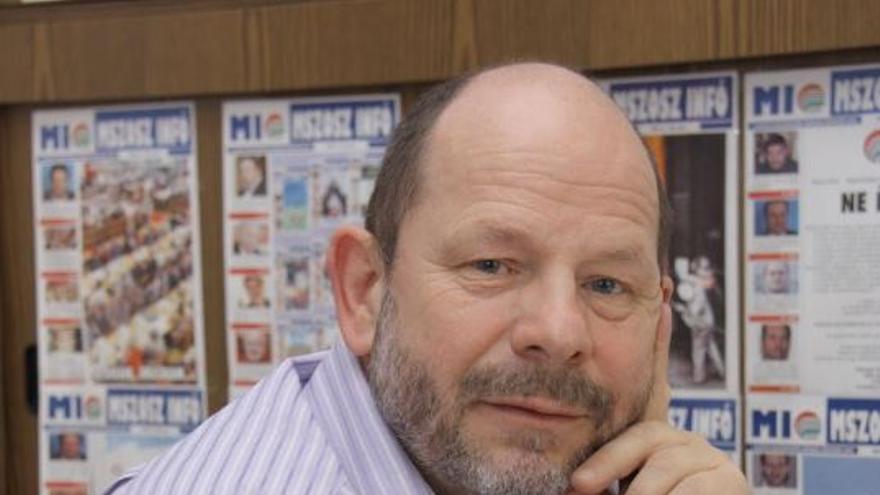 Károly Gyorgy, secretario de internacional de la MaSZSZ, la Confederación de Sindicatos Húngaros.