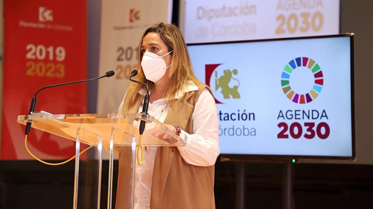 La presidenta de la Fundación Provincial de Artes Plásticas Rafael Botí, Salud Navajas.