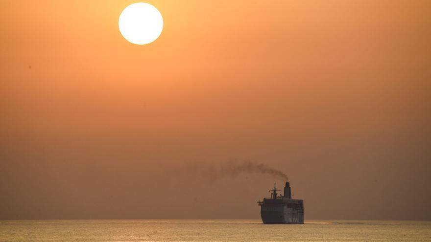 La pandemia redujo más del 60 % el tráfico marítimo en el Mediterráneo
