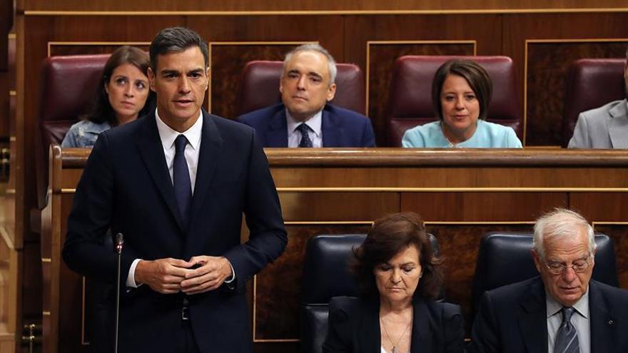 """Casado reclama a Sánchez elecciones porque su Gobierno """"se cae a trozos"""""""