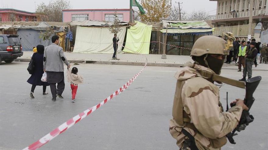 Aumentan a 9 los muertos en un ataque talibán a la vivienda de un diputado afgano