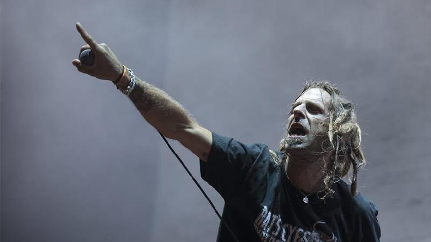 El cantante de Lamb of God atacado en Dublín por varios jóvenes