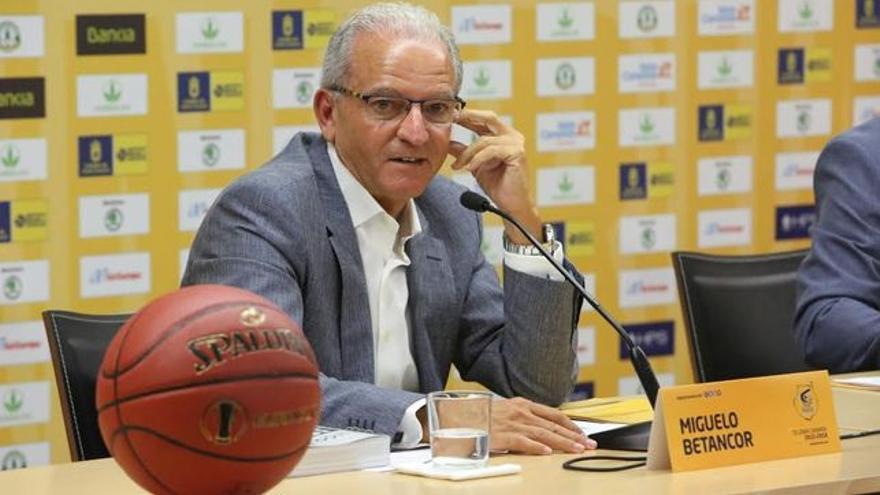 Miguelo Betancor, toda una institución del arbitraje mundial.
